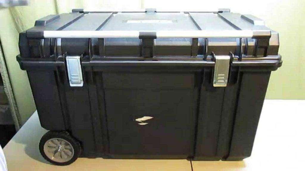 534 DEWALT DWST38000 63-gal. Tough Chest Mobile Storage Review