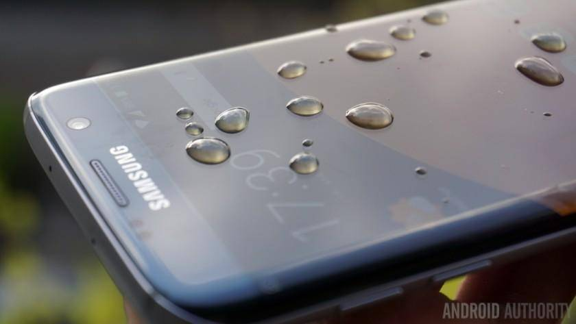 Future Samsung phones may feature hydrophobic displays