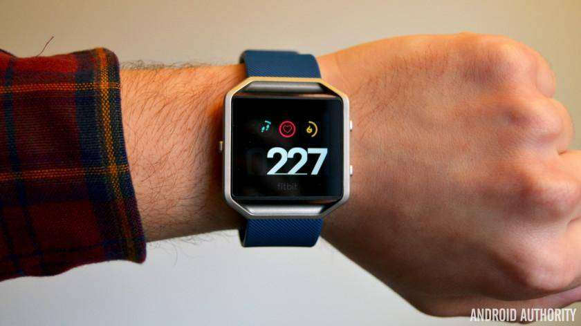 Latest Fitbit Blaze firmware update finally makes the tracker worth buying