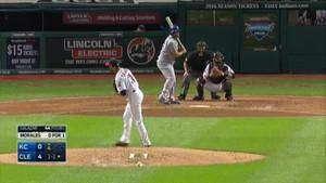 MLB At Bat brings baseball highlights to your iPhone lock screen