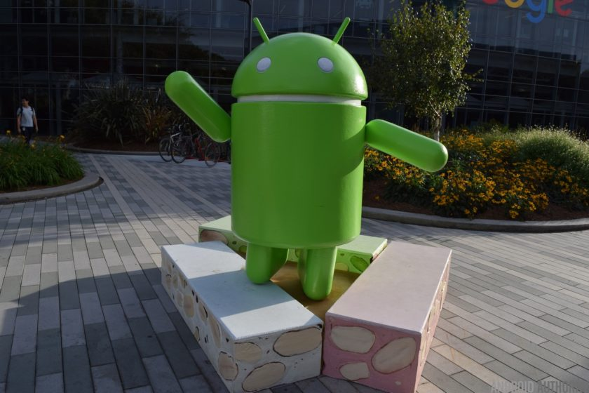 android-nougat-statue-2-aa