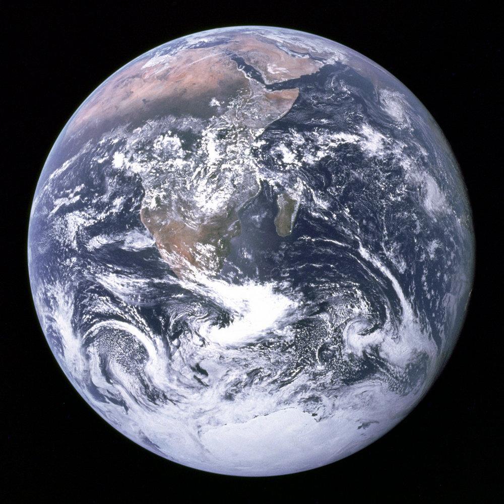 40742 Как выглядит Земля из космоса