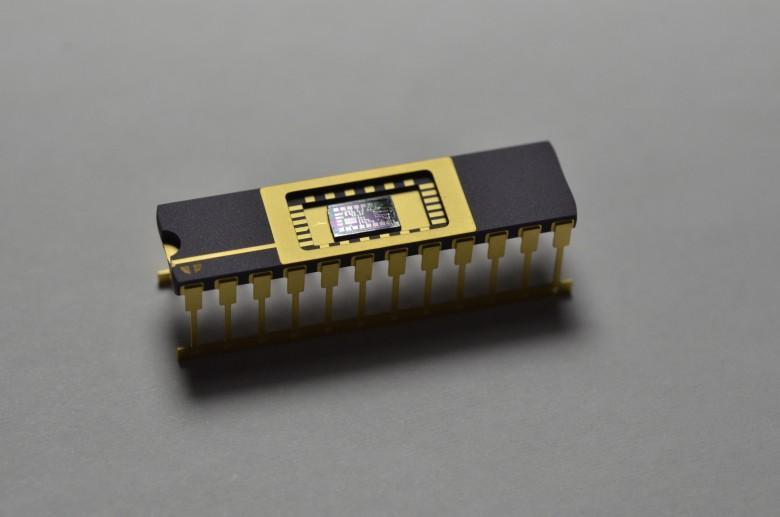 41640 [Перевод] Первая микросхема :)