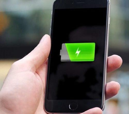 Какие смартфоны способны держать заряд батареи целый день