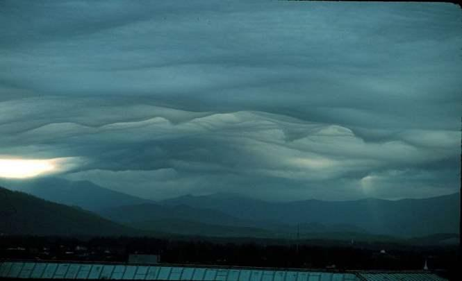 115773 Завораживающие облака над горой Писга в Ашвилле