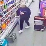 117353 В супермаркете Шотландии призрак напал на продавщицу