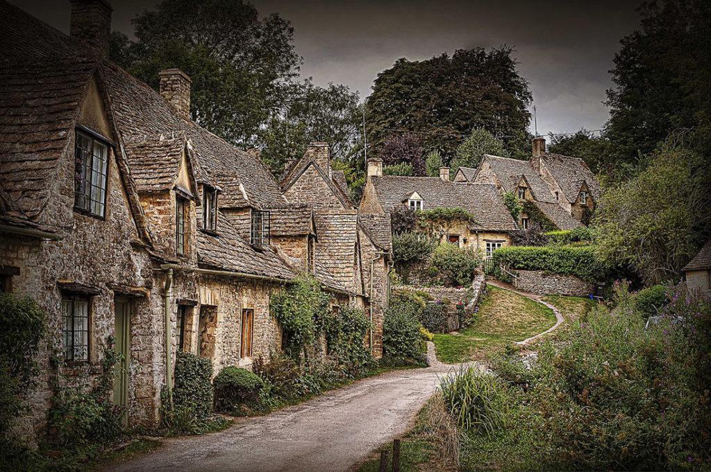 121839 Cамая сказочная и самая красивая старинная деревня Великобритании: Бибери