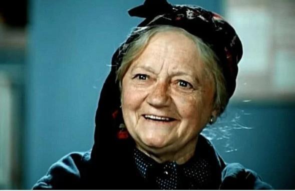 126433 В 73 года, в своей последней роли Валентина Спирантова уверенно рассекала на мотоцикле, а через год ее не стало